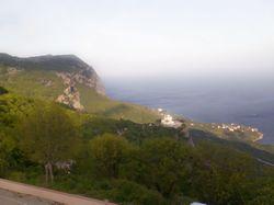 Вид на море с гор.