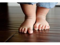 Первые шаги малыша. Когда их ждать?