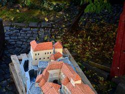Бетонный, макет Мукачевского замка длина 2 метра
