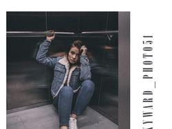фото в лифте.