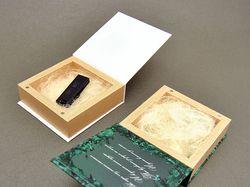 Подарочный бокс для флешки 10х10 см