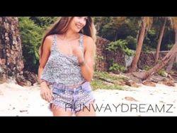 Реклама шорт Runway Dreamz для магазина bestbikini