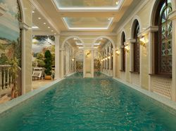 бассейн ночной вид