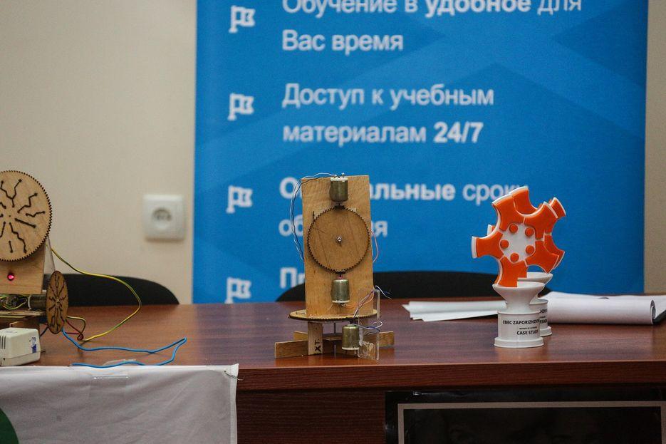 Кубок для волонтерской организации после печати на 3D принтере.