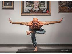 Йога в арт-галерее