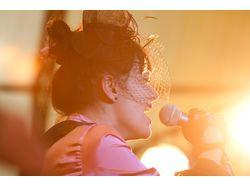 Певица.