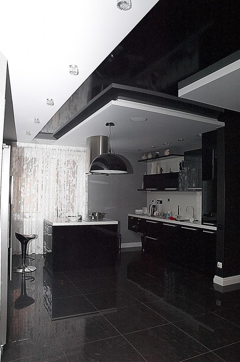 Черный потолок на кухне фото отзывы