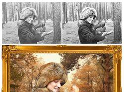 Девушка в лесу с белкой на ладони